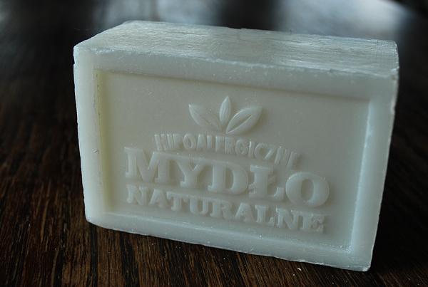 hipoalergiczne-mydlo-naturalne-biale