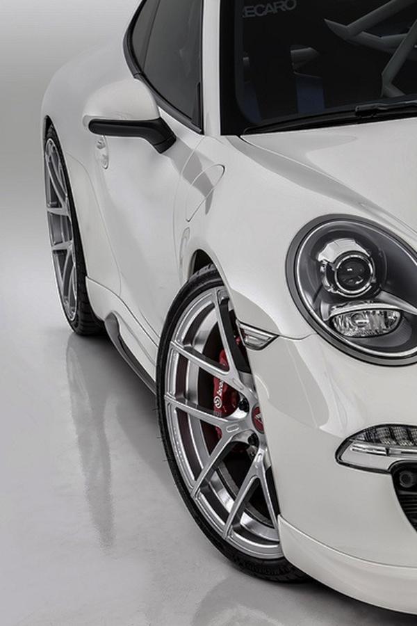 Drop-Dead-Gorgeous-White-Porsche-car
