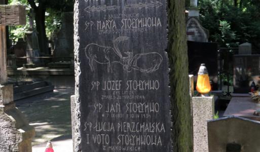 grób-staływów-poważki-typografia-nagrobna