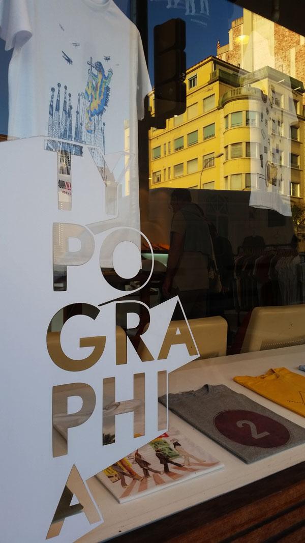 Barcelona-Park-Güell-typografy-t-shirt